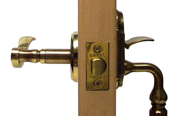 handle set with an inside lever and outside handle